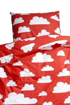 Farg Form Bedset with Cloud Print (Red) FARG FORM http://www.amazon.co.uk/dp/B00C5PCWXG/ref=cm_sw_r_pi_dp_EncGvb14Q6Y20