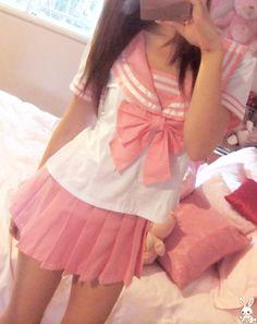 pink seifuku.