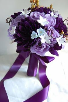 awesome hand-made paper flower bouqet by maria...look so real!