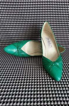 Hey, I found this really awesome Etsy listing at https://www.etsy.com/listing/208200970/vintage-kelly-green-heels-by-ana-bonilla