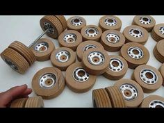 Wooden Toy Wheels, Wooden Toy Trucks, Wooden Wheel, Wooden Crates, Wooden Art, Woodworking Desk Plans, Woodworking Projects That Sell, Christmas Coasters, Kid Toy Storage