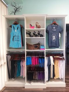 Best 20 Yoga Studio Design Ideas that will Make You Relax Tanzstudio Design, Store Design, Design Ideas, Yoga Studio Design, Wellness Studio, Fitness Studio, Clothing Displays, Clothing Racks, Pilates Studio