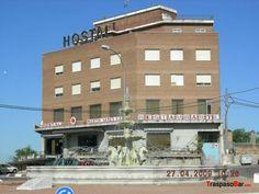Se alquila #hostal de 26 habits. categoría**, junto a la autovía N–5 en #Valmojado, #Toledo a 43km de #Madrid. Consta de 6 plantas (4 abiertas al público). + info en: http://www.traspasobar.com/anuncio/toledo/alquiler-de-hostal-26-habs-cafetera-restaur-11247.html