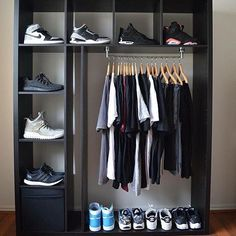 Feb 23 2020 - Beginners guide to sneakers storage sneakerhead room The Ultimate Guide To Sneakers & Sneaker Br. Bedroom Setup, Bedroom Decor, Mens Room Decor, Bedroom Ideas, Hypebeast Room, Shoe Room, Closet Designs, Wardrobes, My Room