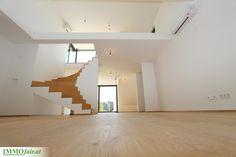 Klare Innenarchitektur und viel Licht kennzeichnen die Eigentumswohnungen in der Hofstattgasse Wien Modern, Stairs, Home Decor, Room Interior Design, Interior Designing, Condominium, Trendy Tree, Stairway, Decoration Home