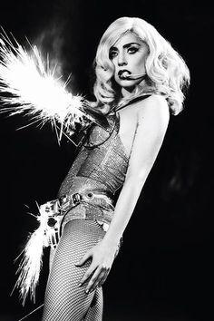 Ingressos de Lady Gaga no Brasil custam de R$ 180 a R$ 750: http://folha.com/no1132553