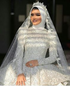 Wedding Hijab Styles, Muslim Wedding Dresses, Muslim Brides, Bridal Dresses, Wedding Gowns, Muslim Girls, Muslim Women, Mode Abaya, Mode Hijab
