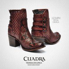 0b6930b52b La belleza tiene nombre   CUADRA  Shoes  Boots  Botas  Leather