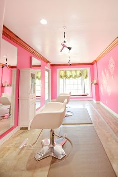 Photo Gallery - Green Alley Hair Salon in Austin, TX