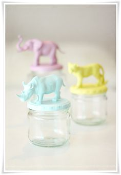 cute animal-topped jars... don't know what I would do with these, but I love them! :-)