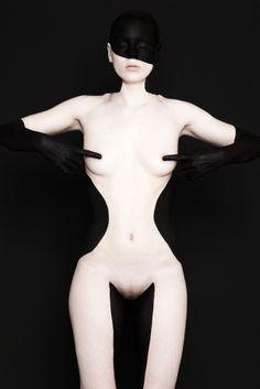 Black on Black #5 - Brenda de Vries Photography / www.brendadevries.com