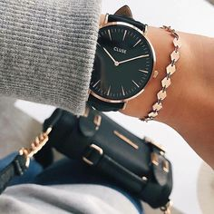 YES to this combination of Rose Gold and Black    YES to Monday    Take a look at our website: www.goodies-shop.nl #monday #cluse #watch #rosegold #blackleather #goodiesshop