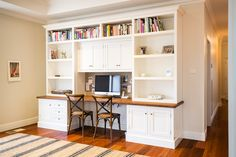 16 Simple But Awesome Home Office Design Ideas for Your Inspiration Inspiring 2 Person Desk For Home Office And Work Home Office Shelves, Home Desk, Home Office Organization, Home Office Desks, Office Decor, Office Ideas, Office Designs, Office Setup, Office Table