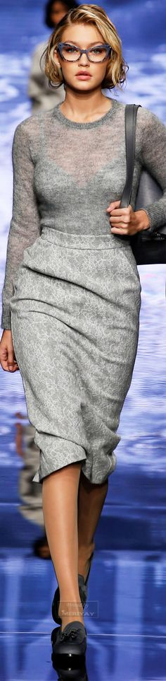 Max Mara.Fall 2015. Want these glasses from this pic and the other Max Mara Fall 2015. Awesomeness!