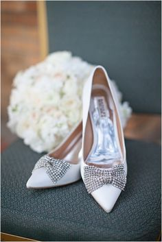 Sparkling bows for the bride's shoes (http://www.7centerpieces.com/sophisticated-houston-wedding-nicole-chatham/) | Nicole Chatham Wedding Photography (http://www.nicolechatham.com/)