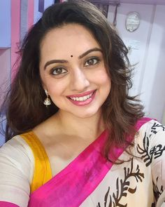 Image may contain: one or more people, selfie and closeup Beautiful Girl Indian, Most Beautiful Indian Actress, Beautiful Long Hair, Beautiful Bollywood Actress, Beautiful Actresses, Beauty Full Girl, Beauty Women, Indian Face, Saree Photoshoot