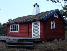 The red log house at Krokholmen. #X100T #fujifilm_xseries #archipelago #woodwork #falurödfärg de mr_kling61