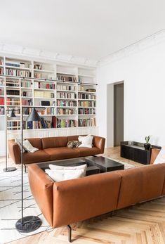 Wohnzimmer Einrichten Inspiration, Bücherregal Weiss, Couchtisch Schwarz,  Einrichten Und Wohnen, Zuhause,