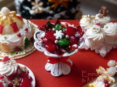 Paris Miniatures: A closer look at the new Christmas miniatures / Les miniatures de Noêl