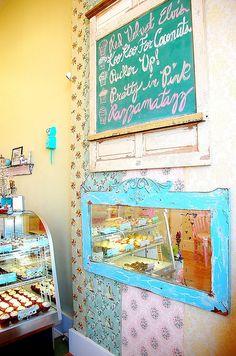 The Flying Cupcake Bakery, Indianapolis, Illinois.