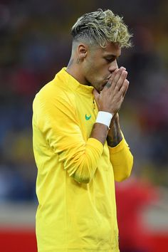 Neymar JR Photos - Neymar Jr of Brazil prior to the 2018 FIFA World Cup Russia group E match between Brazil and Switzerland at Rostov Arena on June 2018 in Rostov-on-Don, Russia. Switzerland: Group E - 2018 FIFA World Cup Russia Brazil Football Team, Neymar Football, Best Football Players, National Football Teams, Soccer Players, Messi Soccer, Nike Soccer, Soccer Cleats, Neymar Jr Wallpapers