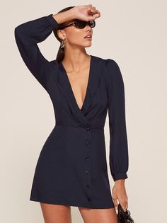 This is a mini length, button front dress with a low v neckline, a shawl collar and a drapey bodice. Classy Outfits, Casual Outfits, Fashion Outfits, Womens Fashion, Simple Dresses, Pretty Dresses, Short Dresses, Silky Dress, Maxi Styles