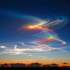 Check out this rare fire rainbow!   Sign up to our e-newsletter here: Sign up here: https://www.facebook.com/worldweatheronline/app_190322544333196 Read our blog here: http://blog.worldweatheronline.com/ Or simply check the weather or get our API here: http://www.worldweatheronline.com/