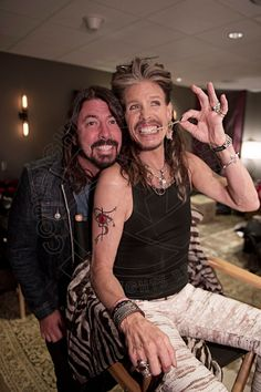 Dave and Steven Tyler of Aerosmith Music Love, Rock Music, Steven Tyler Aerosmith, Joe Perry, Dave Grohl, Rock Legends, Foo Fighters, Music Icon, Cool Bands