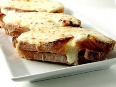 Croque Monsieur from Ina Garten on Food Network I Love Food, Good Food, Yummy Food, Croque Monsieur Vegan, Food Network Recipes, Cooking Recipes, Ideas Sándwich, Great Recipes, Favorite Recipes