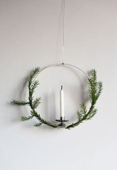 DIY: CHRISTMAS WREATH WITH CANDLE
