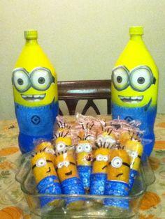Despicable Me Minion soda centerpieces and Minion twinkies.  Adorable!