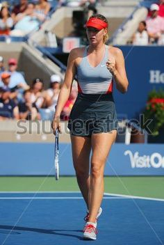 Tennis Shots: The Drop Shot Tennis Shirts, Tennis Clothes, Tennis Outfits, Maria Sharapova Hot, Sharapova Tennis, Venus And Serena Williams, Maria Sarapova, Wimbledon Tennis, Tennis World
