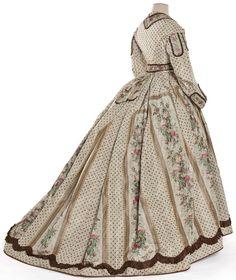 Robe en deux parties, France, vers 1860  Taffetas imprimé sur chaîne à disposition, ruban, perles de verre   Achat, 2000   Inv. 2000.4.1.1-2