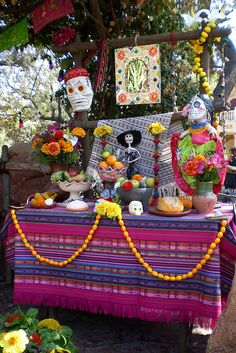 Dia de los Muertos altar | Flickr - Photo Sharing!