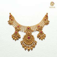 Seven flowers with kundan detail, seven dainty gold drops. Seven flowers with kundan detail, seven dainty gold drops. Gold Jewellery Design, Gold Jewelry, India Jewelry, Gold Necklaces, Womens Jewelry Rings, Wedding Jewelry, Wedding Earrings, Antique Necklace, Schmuck Design