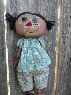Primitive Raggedy Ann. Love these fabrics!  She is a Doll! lol so cute!!! love her face!