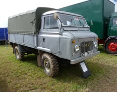 """https://flic.kr/p/phnQPW   Land Rover Series 2A 109"""" Forward Control   Build Specifications - 4 cylinder 2.25 petrol engine. Dropside, Extra passenger windscreen wiper. Mid grey Came off production line 21s December 1962. Collected personally from the factory by the present owner 9th January 1963 costing ex. works £1020.14 Od Optional extras fitted at a later date - PTO Hydraulic winch, 3/4 tilt, cab heater, front lifting and towing rings, rear towing plates and electrics with NATO hitch…"""