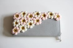 door Om, Crochet, Inspiration, Bags, Biblical Inspiration, Handbags, Ganchillo, Crocheting, Knits