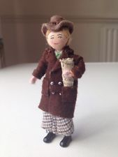 Vintage Dolls House Miniatures- Grecon doll - Man With Paper