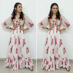 Pretty rakul in florals for Big C launch in kadapa. Long Dress Design, Stylish Dress Designs, Stylish Dresses, Fashion Dresses, Abaya Fashion, Ethnic Fashion, Women's Fashion, Long Frocks For Kids, Frocks For Girls