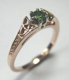 14kt Rose Gold Celtic Bridged Marishelle Green Diamond Ring - beautiful Irish Knot Work with Gorgeous Genuine Green Diamond - .25ct by RARUCOM on Etsy