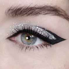 creative makeup – Hair and beauty tips, tricks and tutorials Glam Makeup, Makeup Art, Beauty Makeup, Hair Makeup, Diy Glitter, Glitter Makeup, Makeup Trends, Makeup Inspo, Makeup Inspiration