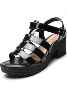 Sandália Mississipi Mandang PretoTipo de Produto: SandáliaTipo de Salto: GrossoSalto: 8cmFechamento: FivelaOcasião/Estilo: CasualMaterial Externo: SintéticoMaterial Interno: SintéticoMaterial da Sola: SintéticoA medida do salto pode variar entre 0,5cm e 3cm dentro da grade 33-39, de acordo com o tamanho do calçado. Sandals, Shoes, Products, Fashion, Cute Shoes, Shoes Sandals, Black, Brazil, Style