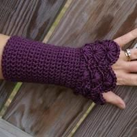 Peacock Arm Warmers - even in summer, these would be great on achy hands, & SO cute!