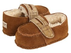 UGG Kids Sprout (Infant) Chestnut -Oh how I miss Rocco fitting into these! Not to mention they were a gift from his Aunt @Jennifer Cullen Bullard who found his 1st tooth. I think I need another to hand these down to :-)
