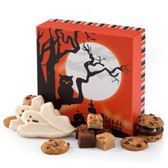 Brownies, cookies and more--Win a Delicious Mrs. Field's Halloween GiftBox - #giveaway