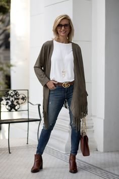 Our western inspired olive faux suede jacket trendy fashion work outfit ideas boyfriend jeans fashion Fashion For Women Over 40, 50 Fashion, Fashion 2020, Look Fashion, Fashion Outfits, Fashion Trends, Fashion Clothes, Autumn Fashion Over 40, Fashion Over Fifty