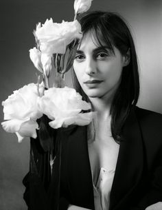 Amira Casar / I love women who sing loudly in the morning