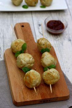 Recette de boulettes de poulet au parmesan, noix de cajou et basilic par Amandine Cooking