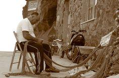 Pescatore ad Alicudi in Sicilia :)